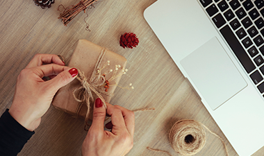 En Internet, encuentra opciones de regalos corporativos personalizados