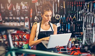 Mujeres chilenas creen tener menos oportunidades para desarrollar su negocio