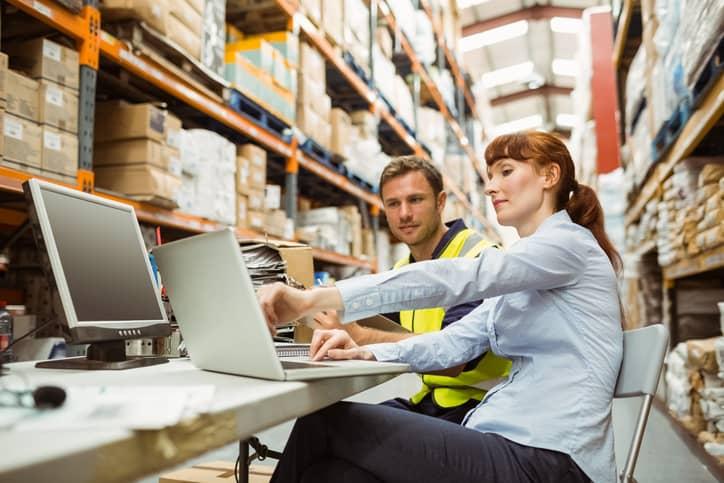 Proceso de distribución: control de inventario y seguimiento de flotas