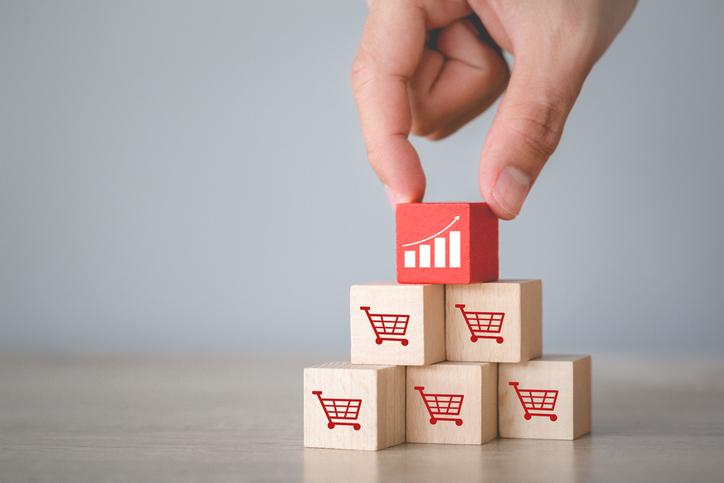Ejemplos de estrategias de venta para potenciar tu emprendimiento en verano