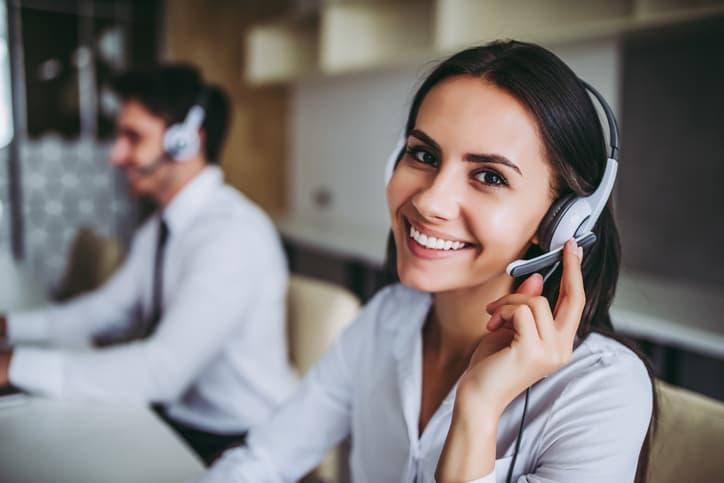 ¿Qué es un IVR y cómo beneficia la atención de mis clientes?